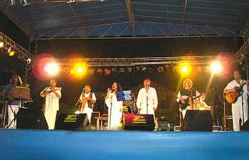 Show 2000